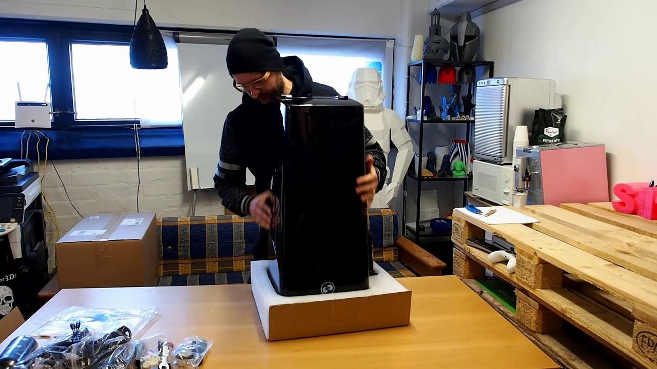 video UNIZ SLASH PRO 3D Printer