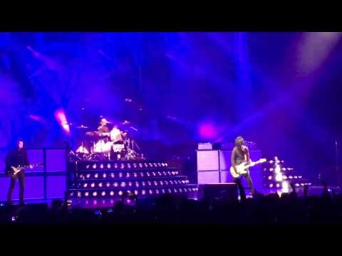 Green Day - She - Live in Turin, Italy - 10/01/2017 - Revolution Radio World Tour