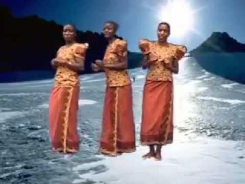 Amkeni Fukeni Choir Mbinguni Kwa Baba Official Video