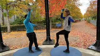 2_Waterbottle Workout_Singel shoulder press & knee lift