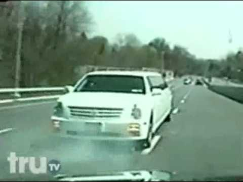 Hot Pursuit - Backwards Limo-Driving Police Chase.wmv