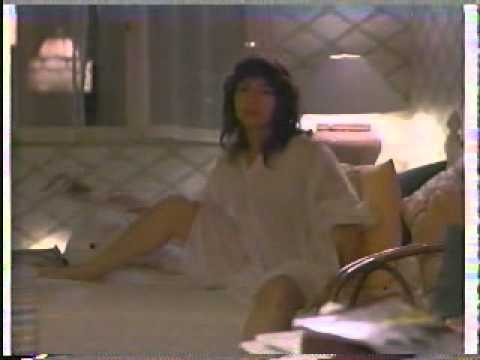 Down and out in beverly hills Richard Dreyfuss and Elizabeth Pena Kiss