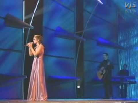 BRIAN MCFADDEN & DELTA GOODREM   ALMOST HERE ROYAL VARIETY 2004 VJS