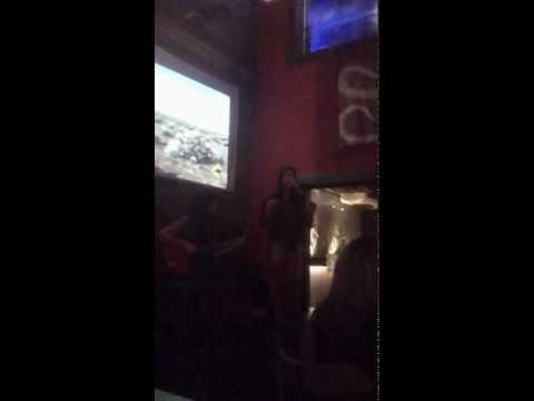 Helo canta no Didge 2.mp4