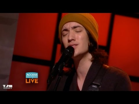 'The Voice's' Taylor John Williams Performs 'Falling Slowly'