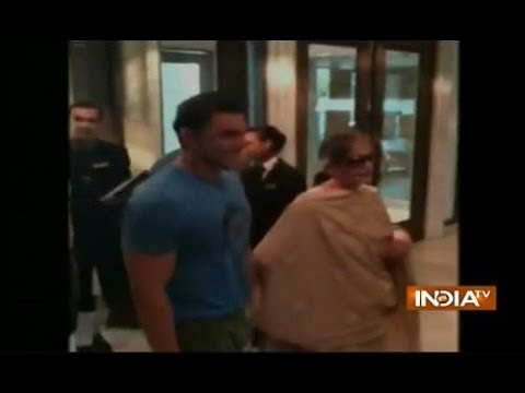 Salman Khan and his family arrives  for Modi's swearing-in ceremony