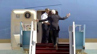 فن و منوعات  بالفيديو..أوباما لكلينتون: هيا بنا! أريد العودة إلى المنزل!