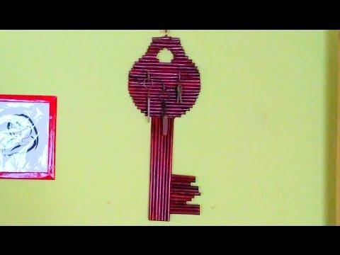 How to make a newspaper key holder