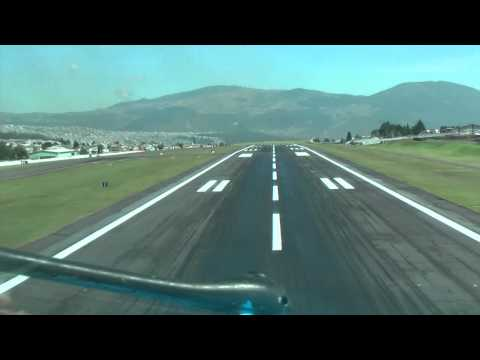 MD-11 Cockpit view approach/take-off Quito airport to Bonaire airport