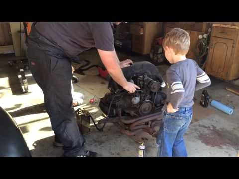 Aircooled VW engine 1600cc runs and the kids!