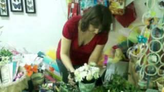 Уроки флористики. Композиция из роз и хризантем