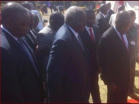 Retired President Mwai Kibaki finally makes it to the voting booth
