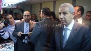 بالفيديو : وزير الصناعة يتفقد أجنحة العارضين من أصحاب المشروعات الصغيرة ومتناهية الصغر