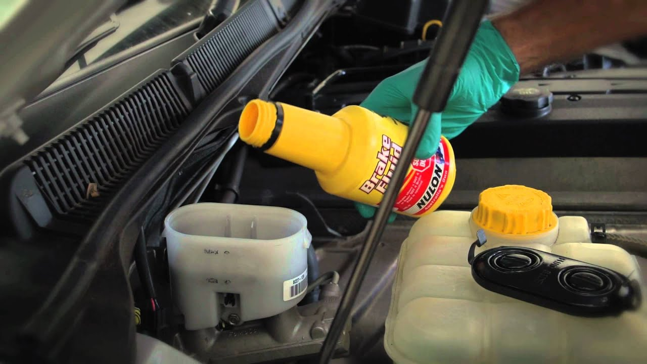 How To Check And Top Up Your Brake Fluid Youtube