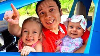 Maya y Mary | Cancion Infantil - Vamos de Paseo con la Familia