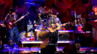 Willie Nelson - Funny How Time Slips Away, Crazy and Night Life (Live at Farm Aid 2008)