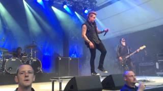 Papa Roach - Falling Apart Live 09.06.2015