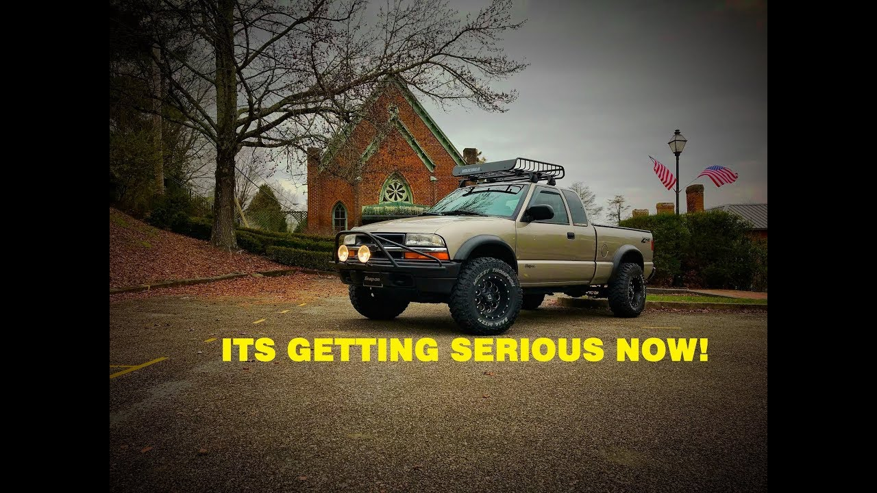THE ZR2 S10 GETS A ROOF RACK ! - YouTube