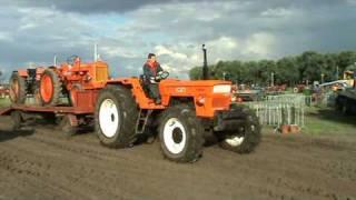 Big oldtimer Tractor Fiat Super 1300DT (HMT 2007)