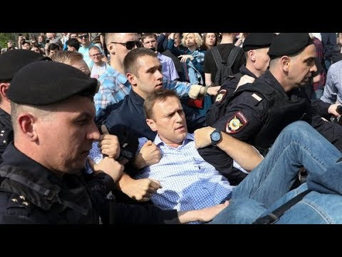 Alexei Navalny among 1,000 arrested during anti-Putin protests | ITV News