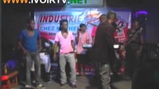 SHAGGY SHAROOF en concert semi live a l'Industrie BAR VIP Yop Rue Princess