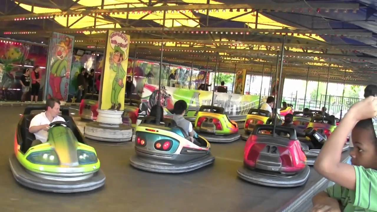 Foire du trone 2010 youtube for Rehausseur auto quel age