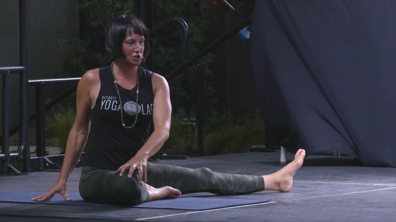 Artwork representing Yoga + Live Music: Techno Edition – Trailer