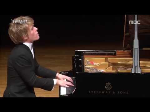 Arthur Jussen - Schubert Impromtus Opus 90 No.2+3