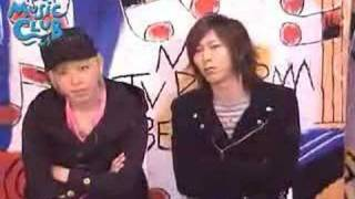 Mao and Shinji on FBS Music Club. Short comment, but sempai still m...
