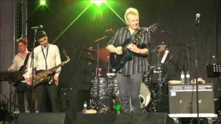 Caravan Of Dreams - Peter White at 1. Algarve Smooth Jazz Festival (2016)