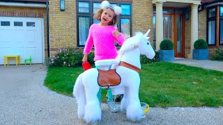 My little horsey song for children by Max and Katy