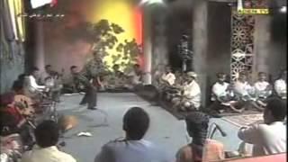 Repeat youtube video نكات وقفشات كوميدية مع وصلة غنائية - المونولوجست فؤاد الشريف