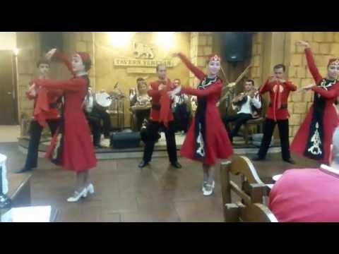 Tavern Yerevan - Balli Tradizionali Armeni - Video N.2