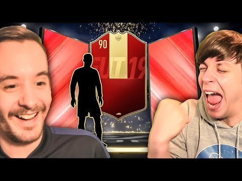 WE BOTH GET AMAZING PLAYER PICKS IN OUR FUT CHAMPS REWARDS!!!  FIFA 19 ULTIMATE TEAM PACK OPENING