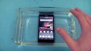 Sony Xperia Z review - Splash Test!