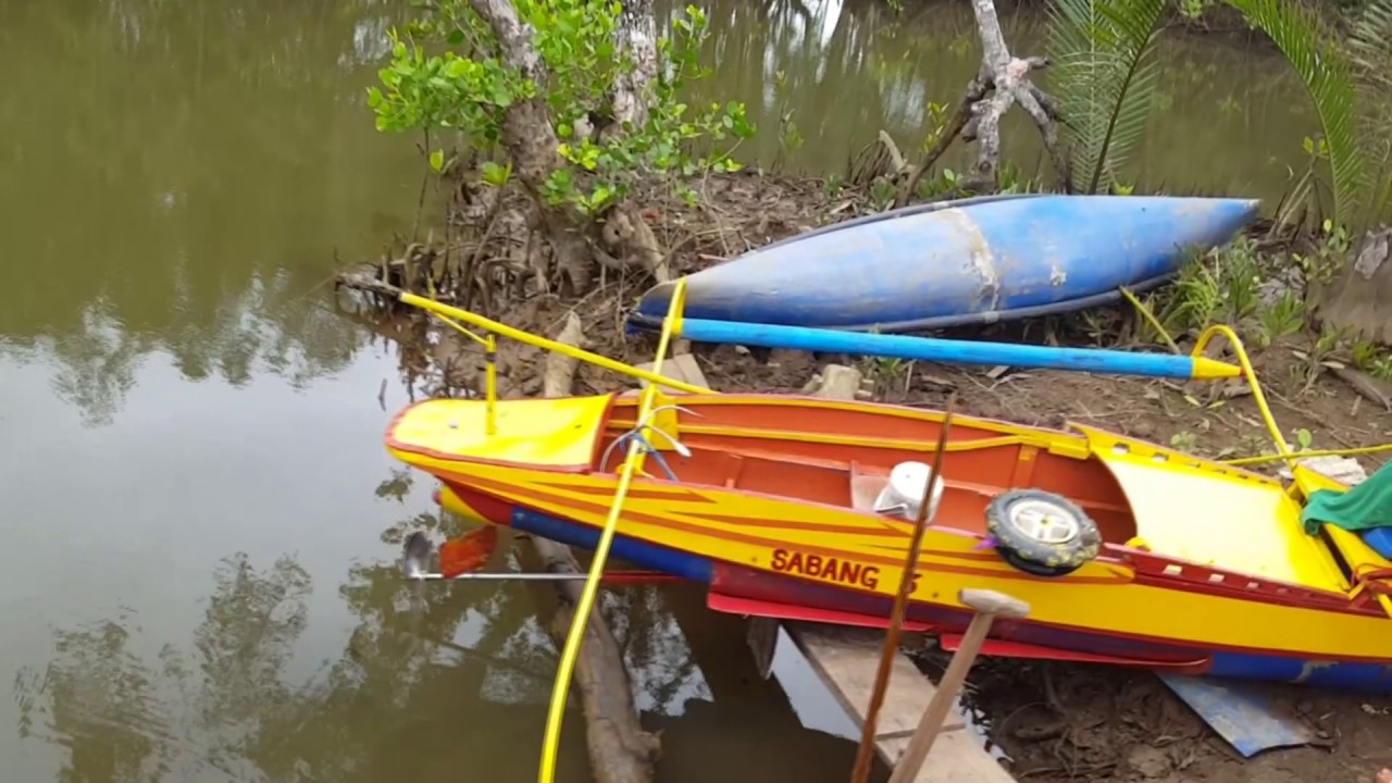 A Look at Plastic Boats ( Home Made Plastic Drum Boats)