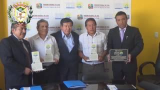 ALCALDE DE HUALMAY EDDIE JARA SALAZAR RECIBIO EL PREMIO REGIONAL EN SALUD 2016