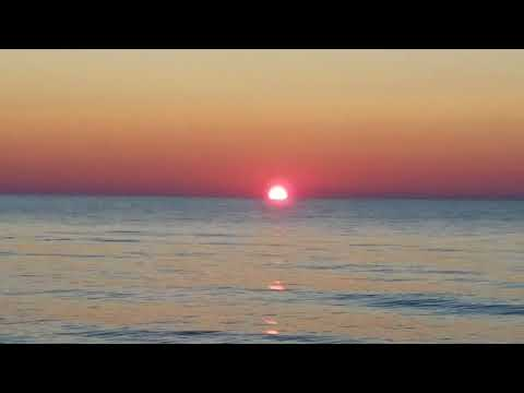 A Perfect Sunset from Jenks roadside park Port Austin, Michigan HD