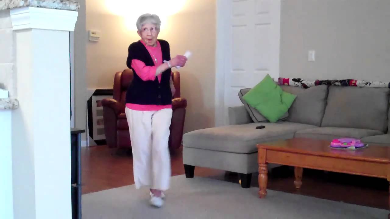 Bailar abuelitas desnudas