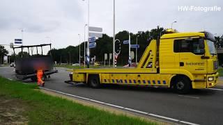 Aanhanger raakt los van auto op oprit A28