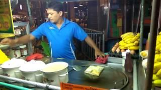Знаменитые тайские блинчики с бананом. Стритфуд