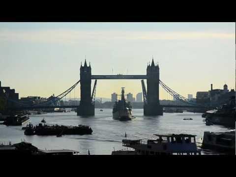 London Tower Bridge lift - Timelapse