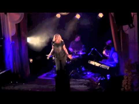 "Broadway Unplugged - Erin Kennedy ""Here I Am"""