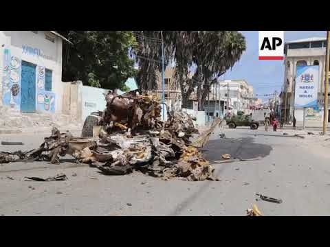 Somalia - At least nine killed in bombing and gun attack in Somalia capital / Several dead after att