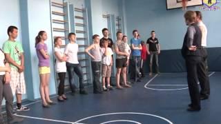 Ярославский СОБР учит самообороне воспитанников ярославского интерната.