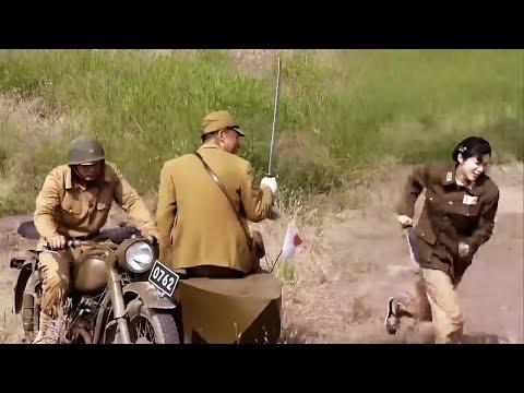 日軍大佐調戲花姑娘,不料半道遇上八路軍,正打得激烈,老窩被國軍給端了!