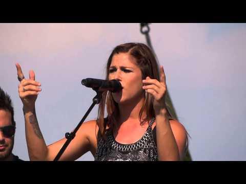 Cassadee Pope Bed of Roses Bon Jovi (Cover) Oregon Jamboree 2014 Live