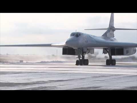 Старт командирских полетов летчиков дальней авиации на аэродроме Энгельс
