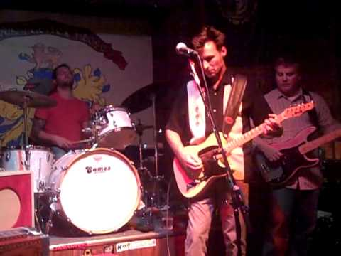 """The Molenes """"Miracle Cure"""" Live at Fury's"""