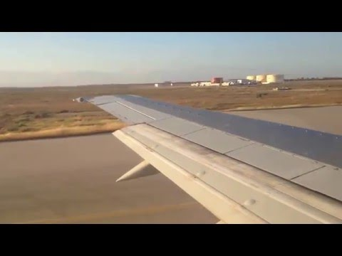 Boeing 737-400 takeoff from Enfidha airport DTNH